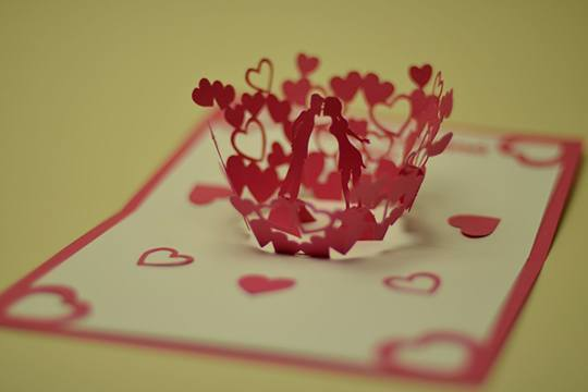 Diy Valentine Day Pop Up Card Kissing Couple The Pop Up Cards